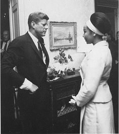: President John F. Kennedy speaks with actress Diahann Carroll at a birthday party held for the President by Arthur Krim at Krim's New York apartment. May 1962 Credit Line: Photo from the Papers of Kenneth P. John Kennedy, Les Kennedy, Dianne Carroll, Familia Kennedy, Vintage Black Glamour, Black History Facts, Provocateur, Before Us, African American History
