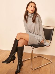 Throw on and go. This is a mini length dress with a turtleneck and long sleeves. The Daze dress is relaxed fitting throughout. Trendy Fashion, Winter Fashion, Womens Fashion, Fashion 2020, Botas Sexy, Long Sleeve Turtleneck, Poses, Jeans Dress, Look Chic