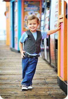 kinda cute pose for Nolan. have him leaning up against something or even leaned up against a tree. Little Boy Photography, Kids Photography Boys, Boy Photography Poses, Toddler Photos, Baby Boy Photos, Boy Pictures, Little Boy Poses, Kind Photo, Boy Photo Shoot