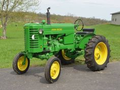Lawn Tractors, John Deere Tractors, John Deere Equipment, Heavy Equipment, Antique Tractors, Vintage Tractors, John Deere 318, Deer Farm, Classic Tractor