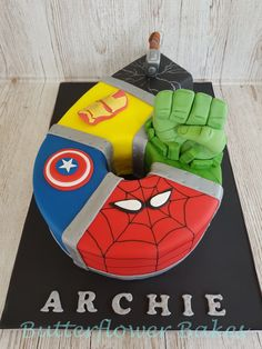 Superhero avengers number 6 cake