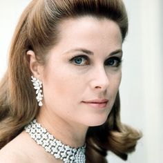 Grace Kelly still absolutely beautiful as she aged gracefully.