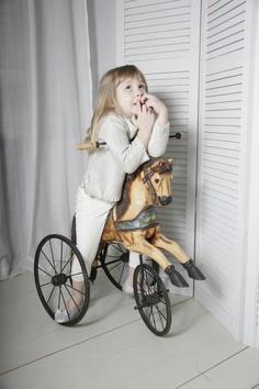 sophie # rocking horse # kids room Nursery Room, Baby Room, Rocking Horses, Vintage Stuff, Rockers, Carousel, Baby Strollers, Baby Kids, Kids Room