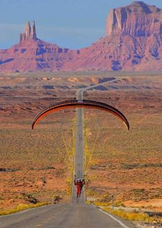 Paragliding in Monument Valley, Utah. Where Forest Gump was filmed running.Even so Paragliding would be awesome anywhere! Where Eagles Dare, Hang Gliding, Parasailing, Skydiving, Extreme Sports, Rafting, Cool Landscapes, Kayaking, Adventure Travel