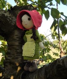 """Emily Doll with Pioneer Clothes - Free Amigurumi German and English Pattern - PDF Format - click at the end of post: """"Pattern:Pioneer clothes for Emily"""" and """"Emily"""" in blue letters"""