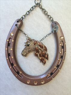 992 best horseshoe art images on Horseshoe Projects, Horseshoe Crafts, Horseshoe Art, Cowboy Crafts, Horse Crafts, Crafts To Sell, Fun Crafts, Arts And Crafts, Estilo Country