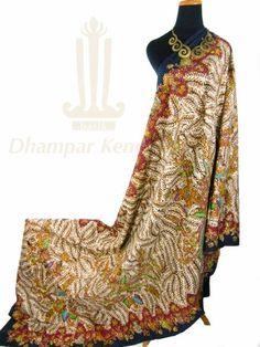 IDR. 1.150k   Kain Batik Tulis Warna   Motif Wit Klopo   Ukuran kain: 2,50m X 1,05m   Kode: 056    Note: Harga item tidak termasuk kalung yang tertera pada gambar.    #batik #dhamparkencono #batiktulis #java #indonesia #sale #boutique