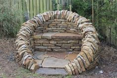 Dunblane Seat, by James Parker. www.drystonesculpture.co.uk