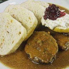 Czech Bread Dumplings Are Served with Roast Pork and Pan Juices: Czech Bread Dumplings This is a traditional Czech recipe for bread dumplings (houskovy knedlik). They usually accompany roast loin of pork and braised sweet-sour cabbage. Bread Dumplings Recipes, Dumpling Recipe, Potato Dumplings German, Steamed Dumplings, Slovak Recipes, Czech Recipes, German Recipes, Kolache Recipe, Legumes