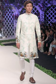 Simple and smart! Mint blue&White indo-western set for grooms this season! Groom Wear, Groom Outfit, Western Dresses, Western Outfits, Suit Fashion, Groom Fashion, Royal Fashion, Kids Fashion, Mens Kurta Designs