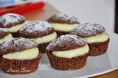 Briose Negrese cu crema de vanilie Cookie Recipes, Dessert Recipes, Desserts, Romanian Food, Homemade Cookies, Food Cakes, Cake Cookies, Brownie Cupcakes, Biscotti