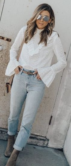 trendy outfit idea : white top + bag + jeans + boots