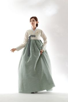 Korean Traditional Dress, Traditional Fashion, Traditional Dresses, Traditional Styles, Korean Dress, Korean Outfits, Hanbok Wedding, Korean Princess, Modern Hanbok