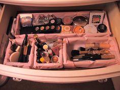 Pinkbow Icecream: DIY:Make-Up Organizer
