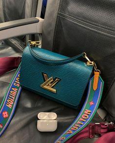 High End Handbags, Purses And Handbags, Luxury Purses, Luxury Bags, Bag Pins, Best Designer Bags, Louis Vuitton Handbags, Vuitton Bag, My Bags