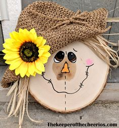 Wood Log Crafts, Fall Wood Crafts, Halloween Wood Crafts, Scarecrow Crafts, Wood Slice Crafts, Diy Halloween Decorations, Fall Decorations, Diy Fall Wreath, Fall Diy