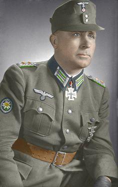 ✠ August Krakau (12 September 1894 - 7 January 1975) RK 21.06.1941 Oberst Kdr Geb.Jäg.Rgt 85 5. Gebirgs – Division