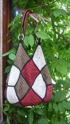 Transcendent Crochet a Solid Granny Square Ideas. Inconceivable Crochet a Solid Granny Square Ideas. Crochet Market Bag, Crochet Tote, Crochet Handbags, Crochet Purses, Crochet Crafts, Crochet Stitches, Crochet Projects, Knit Crochet, Crochet Patterns