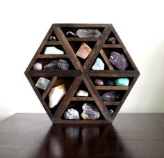 Hexagon Shelf - Empty (Got it!)