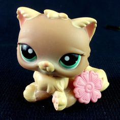 Littlest Pet Shop 1063 Persian Cat LPS Toy HASBRO 2007 Beige Turquoise eyes