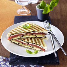 Tomaten-Aubergine Sandwich