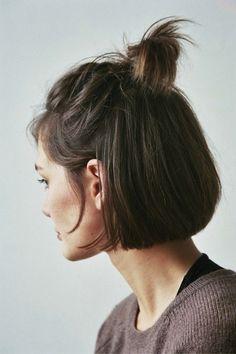 cheveux courts, demi chignon, half bun, coiffure, facile, updo