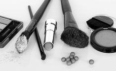 """The Dirty Dozen"" cosmetic chemicals to avoid - David Suzuki Foundation David Suzuki, Cosmetics Industry, Dog Treat Recipes, Beauty Hacks Video, Beauty Quotes, Makeup Quotes, Beauty Blender, Diy Beauty, Beauty Makeup"