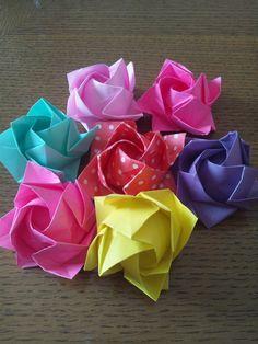 折り紙で季節の花