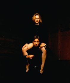 David Duchovny's head between Gillian Anderson's legs! Shocking!