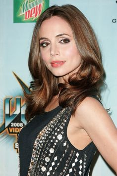 "Eliza Dushku  Actress and star of the FOX show Dollhouse: ""Blinc mascara"""