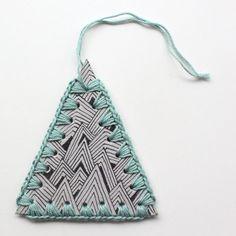 Crocheted paper ornament on Lutter idy via Las Teje Y Maneje