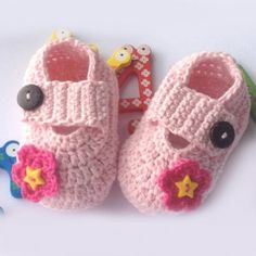 New Hand Made Flower Crochet Pattern Pink Baby Shoes