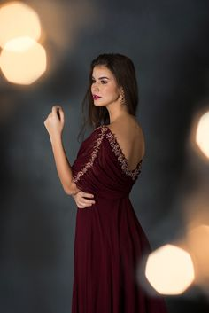 Indian Gowns Dresses, Indian Fashion Dresses, Indian Designer Outfits, Churidar Designs, Frock For Women, Long Gown Dress, Lehnga Dress, Sleeves Designs For Dresses, Designer Jumpsuits