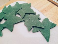 """Holly detail from """"The Holly & The Ivy"""" Christmas cake."""