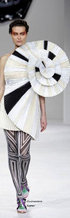 Victor& Rolf Sculptural Fashion