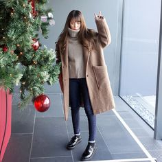 Autumn winter fashion, korean street fashion, korean fashion trends, k Korean Fashion Winter, Korean Fashion Casual, Korean Fashion Trends, Korean Street Fashion, Korean Outfits, Asian Fashion, Autumn Fashion, Korean Winter Outfits, Christmas Fashion