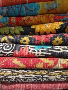 Set of 20 Fine Handmade Vintage Kantha Quilt, Old & Antique Kantha Throw, India #Handmade #Traditional