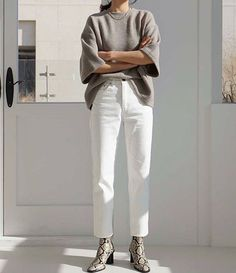 Dbe on casual chic plaid blazers to shop now Mode Outfits, Jean Outfits, Casual Outfits, Fashion Outfits, Womens Fashion, White Outfits, Outfit Essentials, Looks Street Style, Looks Style
