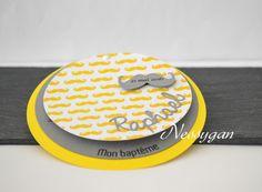 """Faire part jaune & gris """" Mon baptême """" thème moustache  - Faire-part baptême, naissance"""
