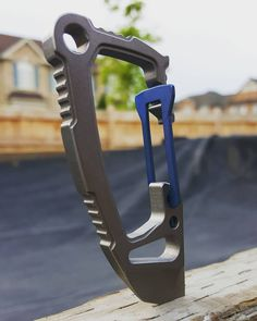 They just keep coming.  Thanks Mike.  HALO by #ti2design and #vox #voxdesign  #bluntforcecarry #everydaycarry #edccommunity #pocketdump #carabiner #edcgear #edc #usnstagram #usnfollow #usualsuspectsnetwork #knivesdaily #bestknivesofig #customknives #knifenut #iloveknives #canadianknifenut #knivesandcoffee #knivesandbeer #stuff