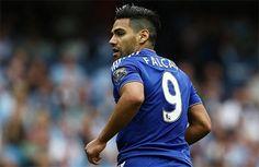 İngiltere Premier League ekiplerinden Chelsea forması giyen Radamel Falcao, Fenerbahçe'nin yakın takibinde.  Bu sezon Chelsea'de 11 maçta yalnızca 1 gol atabilen daha öncesinde ise yine Monaco'dan kiralık olarak transfer olduğu Manchester United'da 29 maçta 4 gol atabilen Kolombiyalı yıldızın şansını başka ülkelerde denemek istediği öğrenildi.