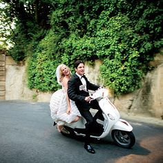 Brides: Wedding Reception Getaway Ideas - How to Make a Dramatic Exit at Your Wedding |  Photo credit: Ingalls Photography