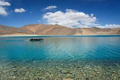 パンゴンツォ④ #パンゴンツォ#パンゴン湖#天空の湖#どこまでも青#ニコン#一眼レフ#ラダック山脈#山脈#カメラ日和#写真#レー#ラダック#ジャンムーカシミール#インド暮らし#おいしい生活#pangongtso#travel#leh#ladakh#jammuandkashmir#india#indianlife#NIKON#K700#K300