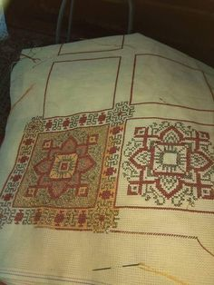 Cross Stitch Borders, Cross Stitch Patterns, Cross Stitch Embroidery, Needlework, Mandala, Bohemian Rug, Carpet, Diy Crafts, Fabrics