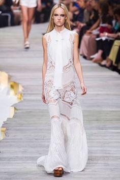 MMD S/S 2015 Roberto Cavalli. See all fashion show at: http://www.bookmoda.com/?p=34815 #MMD #spring #summer #ss #fashionweek #catwalk #fashionshow #womansfashion #woman #fashion #style #look #collection #milan #robertocavalli @robertocavalli