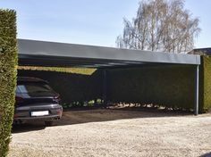 marvelous carport with only 4 posts for such a long piece.