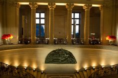 Salvatore Ferragamo celebrates the Opening of Da Vinci`s latest Exhibition with a Gala Dinner at the Louvre Gala Dinner, Event Design, Louvre, Paris, Architecture, House Styles, Museums, Peppermint, Sparkles