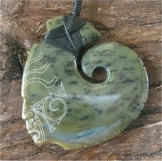jade Ethnic Jewelry, Jade Jewelry, Resin Jewelry, Stone Jewelry, Maori Symbols, Fish Hook Necklace, Maori Patterns, Maori Designs, New Zealand Art