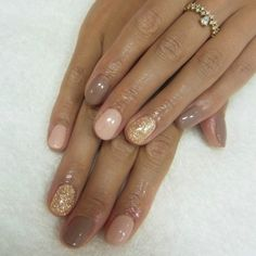 Nude Nail Ideas For The Summer Months - #Trending Nail Art | Multicolor nude nails in dark dusky beige, light pink and gold glitter #nailart