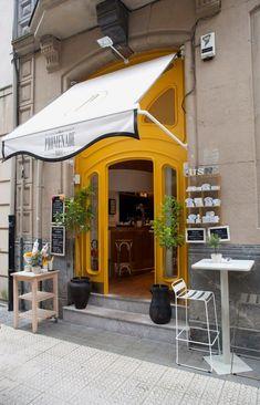 Restaurant Facade, Restaurant Bar, Shop Front Design, Store Design, Bilbao, Canopy Outdoor, Outdoor Decor, Shop Facade, French Restaurants